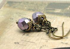 Hoi! Ik heb een geweldige listing gevonden op Etsy http://www.etsy.com/nl/listing/95911793/earrings-amethyst-purple-glass-beads