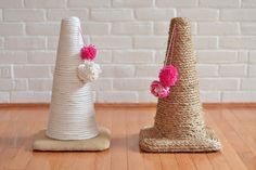Cats Toys Ideas - Chaty: cône pour les griffes - Ideal toys for small cats Homemade Cat Toys, Diy Cat Toys, Diy Jouet Pour Chat, Ideal Toys, Cat Scratching Post, Cat Scratcher, Cat Room, Small Cat, Animal Projects