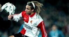 Henke Larsson, hij blijft voetballen.