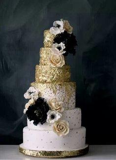 Modern Trend: Gold Wedding Cakes | Wedding Tips & Trends - Bridal Blog