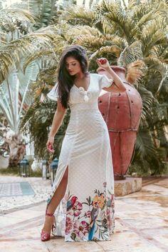 New York Fashion Week Spring Summer 2018 street style outfit floral crop top and skirt set Trendy Dresses, Cute Dresses, Casual Dresses, Fashion Dresses, Vintage Street Fashion, Boho Fashion, Sweet Sixteen Dresses, Nyfw Street Style, Kurta Designs