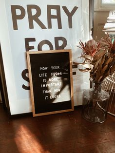 How your life feels is more important than how it looks Campfire Cookies, Chef Quotes, Quote Of The Week, Message Board, Holiday Wreaths, Your Life, Quotations, Favorite Things, Feels