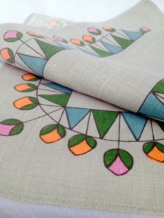 Swedish mid century table runner. Vintage 50s with an amazing pattern. Great condition.