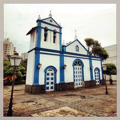 Santa Filomena's Chapel at Marechal Deodoro Street, City of Sao Bernardo do Campo Brazil Brazil, Santa, Mansions, Street, House Styles, City, Places, Colonial Architecture, Nooks
