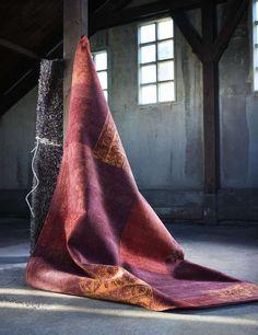 Vloerkleed Collogno Red | Voor meer informatie en de diverse mogelijkheden kijk op www.prontowonen.nl #vloerkleed #karpet #rood #red