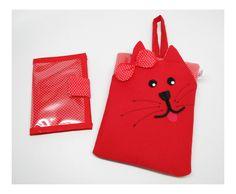 Kit para carro composto por 2 produtos: <br>1 lixinho de gatinho, plastificado por dentro <br>1 porta porta documentos com fecho e plastificado por fora