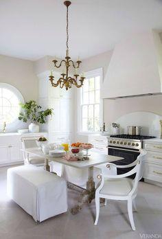 I adore this kitchen