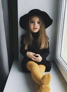 """Back To School Hair Ideas Easy Enough For Dads To Master Up today on the """"Back t Fashion Kids, Little Girl Fashion, Toddler Fashion, Cute Little Girls Outfits, Kids Outfits Girls, Toddler Girl Outfits, Cute Baby Girl, Cute Babies, Baby Baby"""