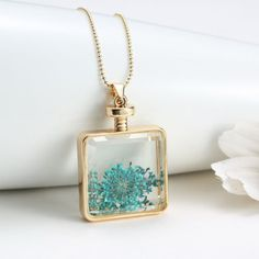 Fashion Jewelry Crystal Glass Floating Locket Dried Flower Chain Necklace #PendantNecklace