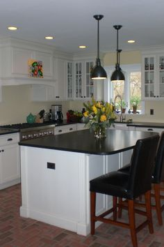 Brick tile kitchen floor, Providence color mix. Mixture of Wright's Ferry and Traditional Antique tiles.