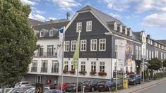 Romantik Hotel Diedrich Außenansicht Street View, Mansions, House Styles, Home Decor, Luxury Houses, Interior Design, Home Interior Design, Palaces, Mansion
