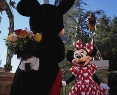 Awwwwwwwwwwwwwwwwwwww. :)  And Minnie's dress' polka-dots are in the shape of hearts for Valentine's Day