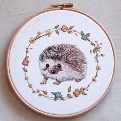 MiCaramel': Embroidered Animal Portraits Crafted with Meticulous Impressionist-Style Stitches