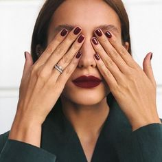 150 stunning short nail designs to inspire your next manicure - page 3 Minimalist Nails, Cute Nails, Pretty Nails, Hair And Nails, My Nails, Stars Nails, Design Ongles Courts, Nails Kylie Jenner, Nagellack Trends