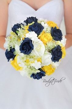 Navy blue and yellow wedding flower brides bouquet haare hochzeit wreath wedding flowers flowers summer flowers white wedding Yellow White Wedding, Blue Yellow Weddings, Yellow Wedding Colors, Wedding Orange, Yellow Theme, Bridal Bouquet Blue, Bride Bouquets, Flower Bouquet Wedding, Prom Flowers