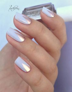 White and gold nail art - Manucure doré et blanc triangle