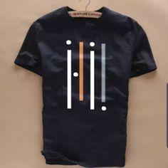 Shirt Logo Design, Tee Shirt Designs, Polo T Shirts, Cool Shirts, Burberry T Shirt Mens, Classic Men, Retro Men, Latest T Shirt, Men's Fashion