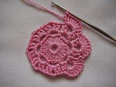 Pikkupioni: VIRKATTU KUKKA - ohje Crochet Earrings, Knitting, Jewelry, Ganchillo, Tejidos, Jewlery, Tricot, Jewels, Breien