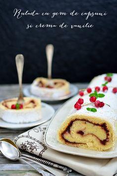 Rulada cu gem de capsuni si vanilie este un desert usor de facut si foarte elegant. Aroma gemului de capsuni se combina minunat cu crema de vanilie. Food Presentation, Baked Goods, French Toast, Sweets, Baking, Breakfast, Recipes, Gem, Cakes