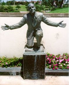"""Grave Marker- Al Jolson (1886 - 1950)……VERY NEAT MARKER…..HE ENDED HIS FAMOUS SONG, """"MAMMY"""" ON BENDED KNEE JUST LIKE THIS……HE WAS MARRIED TO RUBY KEELER, THE DANCER, QUITE A FEW YEARS YOUNGER………….ccp"""