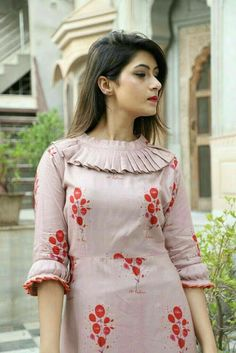 New Image : Salwar designs Kurti Sleeves Design, Sleeves Designs For Dresses, Neck Designs For Suits, Kurta Neck Design, Neckline Designs, Dress Neck Designs, Blouse Designs, Neck Design For Kurtis, Stylish Kurtis Design