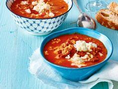 Das Rezept für Tomaten-Bulgur-Suppe mit Blumenkohl und weitere kostenlose Rezepte auf LECKER.de