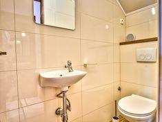 Vier Schlafzimmer Steinhaus mit Strandlage und Privatstrand - Vela Luka Bergen, Toilet, Sink, Home Decor, Pets, Night, Bedroom, Vacation, Sink Tops