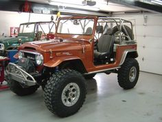 Sunset orange fj40