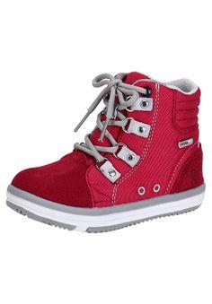 Reiman Wetter -tennarit ovat vedenpitävät  Reimatec®-klassikot. Kengissä tulee mukana kahdet nauhat: perinteisten kengännauhojen vaihtoehtona on näppärät joustonauhat, joita ei tarvitse edes solmia käytössä. Sh. 69,95 euroa #reima