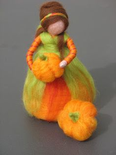 pumpkin Wool Dolls, Felt Dolls, Felted Wool Crafts, Felt Crafts, Wet Felting, Felt Angel, Needle Felting Tutorials, Felt Fairy, Waldorf Dolls