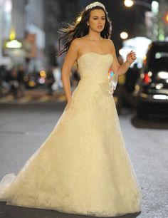 Strapless / Off The Shoulder clothing only wedding dresses vera wang Strapless / Off The Shoulder clothing only Gossip Girl Blair, Gossip Girls, Mode Gossip Girl, Estilo Gossip Girl, Blair Waldorf Gossip Girl, Gossip Girl Quotes, Gossip Girl Outfits, Gossip Girl Fashion, Gossip Girl Dresses