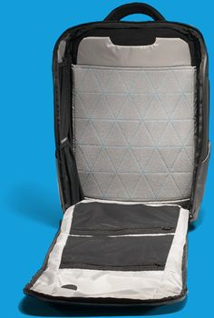 3d23b3d3ebe0 Best Nomatic Travel Backpack vs. the Nomatic Travel Pack