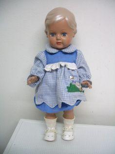 Schildkröt Puppe 34 cm groß, incl. Kleider und Schuhe mit Glasaugen   eBay