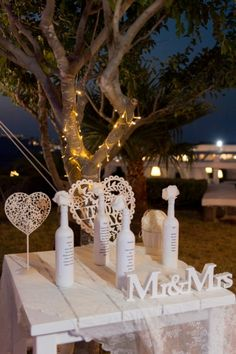 Details from real Luxurious Wedding in Santorini http://photographergreece.com/en/photography/wedding-stories/958-luxurious-lebanese-wedding-at-santorini-gem-in-ivory-and-rose-gold