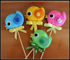 Felt Crafts, Easter Crafts, Easter Crochet, Felt Christmas Ornaments, Felt Food, Spring Crafts, Textiles, Hand Sewing, Sewing Patterns