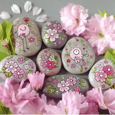 - # painted pebbles - Quick, Easy, Cheap and Free DIY Crafts Stone Crafts, Rock Crafts, Fun Crafts, Diy And Crafts, Crafts For Kids, Arts And Crafts, Homemade Crafts, Rock Painting Patterns, Rock Painting Ideas Easy