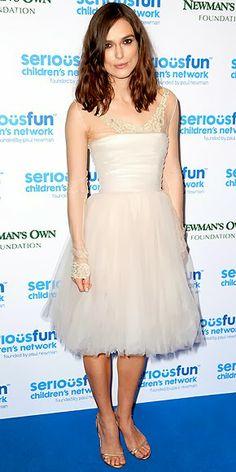 Fashion Assistance: Keyra Knightley recicla su vestido de novia para la SeriousFun Galahttp://www.fashionassistance.net/2013/12/keyra-knightley-recicla-su-vestido-de.html