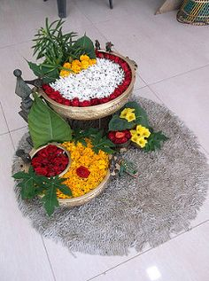 Flower Decoration at Banaras Art Gallery assi Varanasi Ganpati Decoration Theme, Gauri Decoration, Ganapati Decoration, Rangoli Designs Flower, Rangoli Designs Diwali, Flower Rangoli, Diwali Decorations At Home, Festival Decorations, Flower Decorations