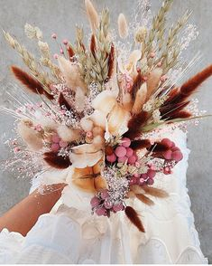 Yup, we are full-blown fangirling over this dried floral bouquet. Bouquet En Cascade, Dried Flower Bouquet, Diy Bouquet, Floral Wedding, Fall Wedding, Wedding Flowers, Boho Wedding, Wedding Ideas, Wedding Photos