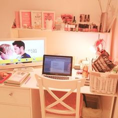 so organized and I love that movie!!