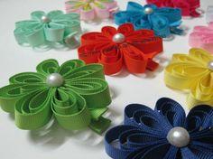 LOOOOOOVE these flower clippies