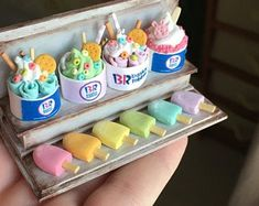 Diy Doll Miniatures, Polymer Clay Miniatures, Miniature Crafts, Miniature Food, Hery Potter, Barbie Food, Mini Craft, Cute Keychain, 3d Laser