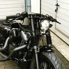 Harley 883, Harley Sportster 1200, Vrod Harley, Softail Bobber, Bobber Bikes, Harley Bobber, Harley Bikes, Cafe Racer Motorcycle, Motorcycle Design