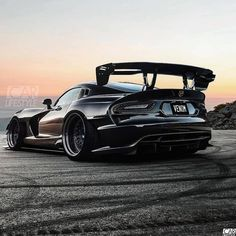 Reposted from - Black viper wide body / . Viper Acr, Dodge Viper, Viper 2017, Dodge Srt, Dodge Challenger, Us Cars, Sport Cars, Bmw Classic Cars, Best Muscle Cars