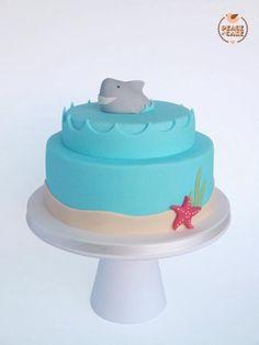 Shark cake -- Steph loved this design when I was showing her random shark stuff (TDM)