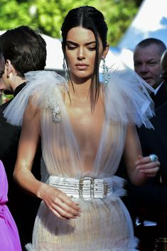 Kendall Jenner see through Kendall And Kylie Jenner, Kris Jenner, Khloe Kardashian, Cooler Look, Jenner Sisters, Celebs, Beauty, Beautiful, Jenners