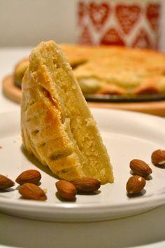 galette des rois, rommilla rikastettu mantelimassatäytteinen kakku