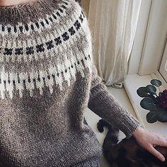 Ravelry: leighsideknits Leigh s favourite lopapeysa Alafosslopi yarn, no pattern
