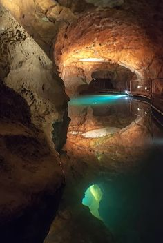 Underground pools of Jenolan Caves, New South Wales, Australia