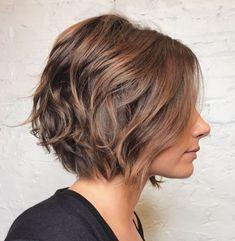 Summer Haircuts That'll Make You Want to Go Shorter ASAP: Chocolate Bob with Rose Gold-Caramel Balayage Short Wavy Haircuts, Haircut For Thick Hair, Bob Hairstyles, Layered Hairstyles, Asymmetrical Haircuts, Gorgeous Hairstyles, Modern Hairstyles, Bob Haircuts, Wedding Hairstyles